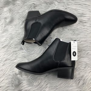A new day black Chelsea ankle boots size 8